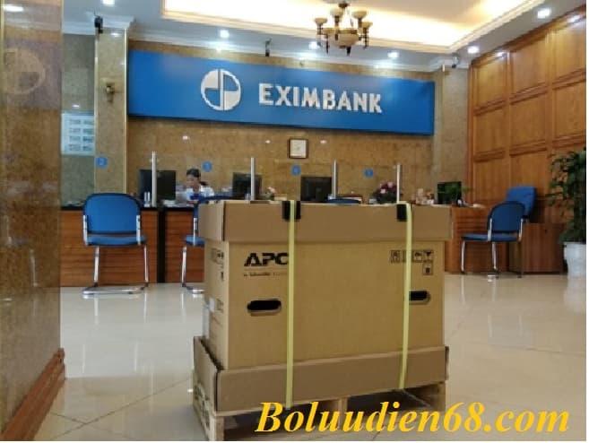 UPS APC SMT2200I lắp cho ngân hàng Eximbank