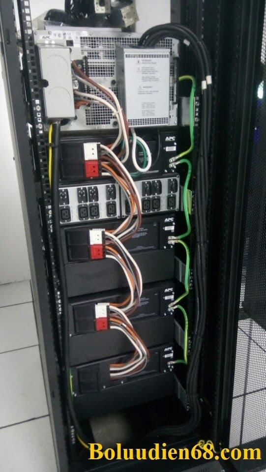 Kiểm tra thay ắc quy cho APCSUA5000RMI5U